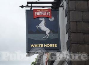 Picture of White Horse Hotel
