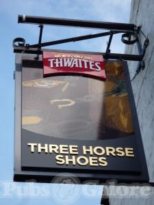 Picture of Three Horseshoes