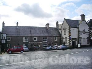 Picture of Shireburn Arms Hotel