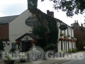 Picture of The Grapes Hotel