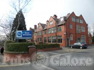 Picture of Broadfield Park Hotel