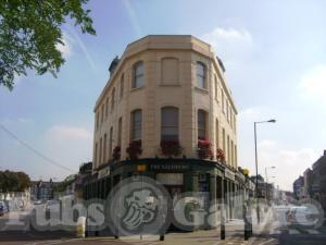 Picture of The Salisbury Tavern