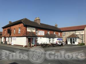 Picture of Crossways Inn