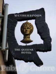 Picture of The Queens Hotel (JD Wetherspoon)