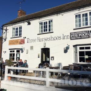 Picture of Three Horseshoes Inn