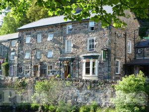 beddgelert chat sites Accessibility craflwyn hall is generally accessible to wheelchair users there are no ground floor rooms, but there is a lift one of the rooms on the 1st floor has a converted bathroom.