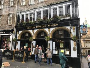 Picture of Deacon Brodies Tavern