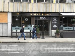 Picture of Night & Day Bar (Imperial Hotel)
