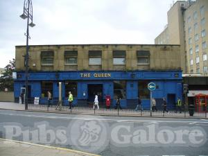 Picture of The Queen Hotel