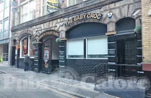 Picture of Crocodile Bar