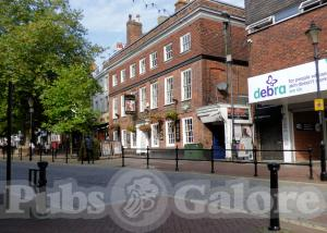 Picture of The County Hotel (JD Wetherspoon)