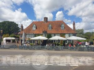 Picture of The Chequers on The Green