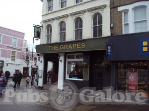 The Grapes (JD Wetherspoon)