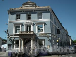Picture of The Queen's Hotel (JD Wetherspoon)