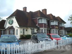 Picture of Three Horseshoes (Harvester)