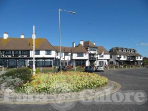 Picture of The Cooden Tavern (Cooden Beach Hotel)