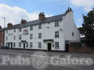 Picture of The Bell & Castle Inn