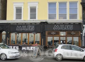 Picture of Miles Bar