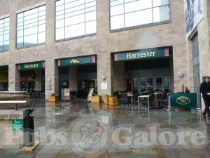 Harvester The Lowry