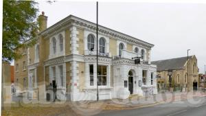 Picture of Sandford House (JD Wetherspoon)
